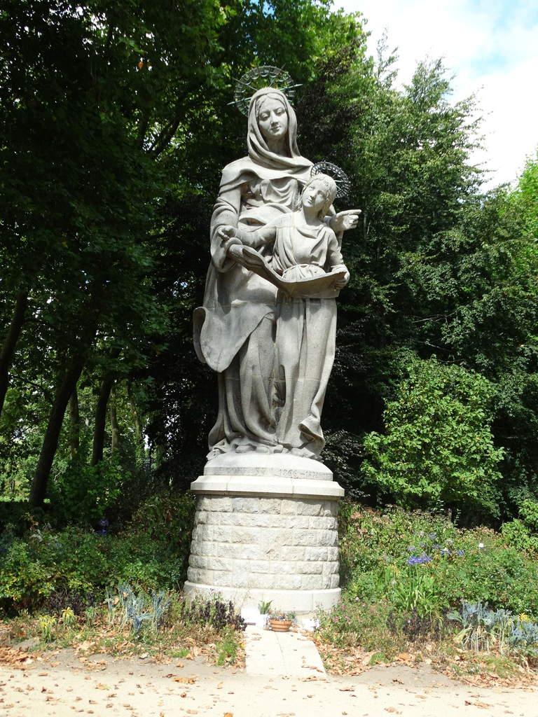 101255-en-ste-anne-l-immaculee-conception-de-la-vierge-marie