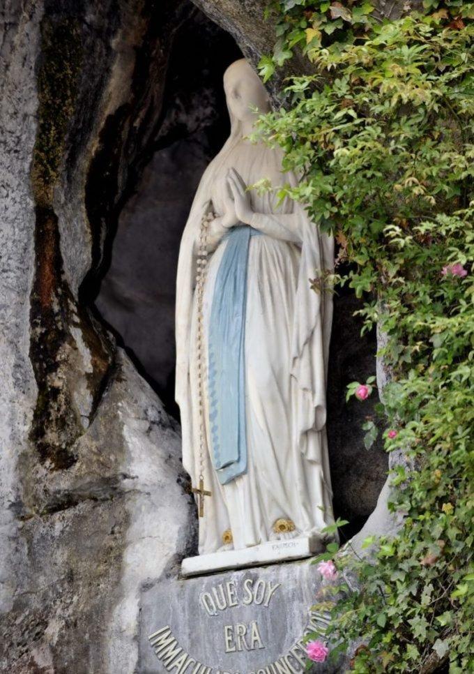 Merci Seigneur pour le sanctuaire de Lourdes, terre de miracles