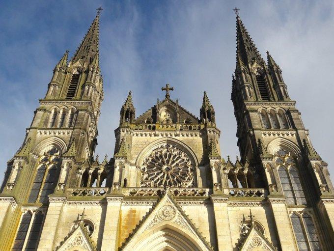 L´Annonciation avec Notre-Dame de Montligeon
