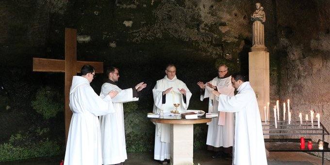 Jour 7 - Saint Antoine et l'Eucharistie