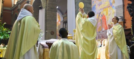 Prions pour que nos prêtres soient saints !