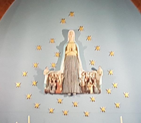 123412-reine-de-la-famille-priez-pour-nous