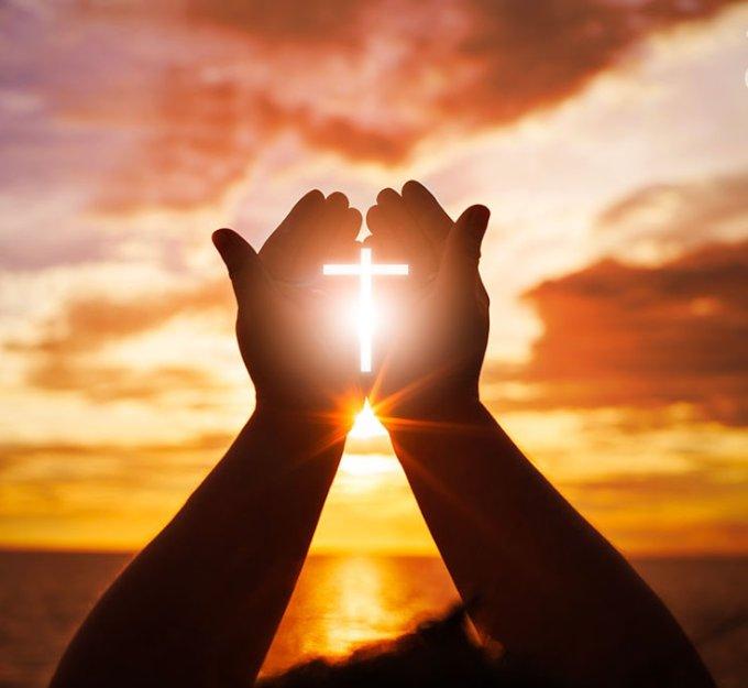 Dans les souffrances, chercher le soulagement dans la prière