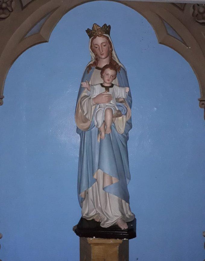 L'Ange du Seigneur apporta l'annonce à Marie et Elle conçue du Saint Esprit.