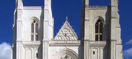 Prier pour la restauration de la cathédrale de Nantes