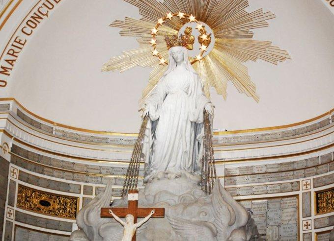 Jour 3 : La médaille de Marie immaculée