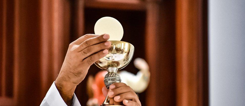 La Messe en DIRECT tous les jours sur Hozana !