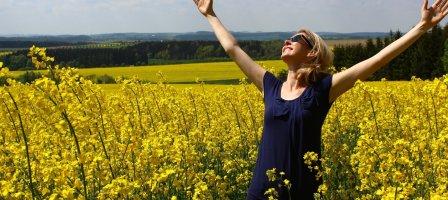 Va, confiante et joyeuse sur le chemin du bonheur