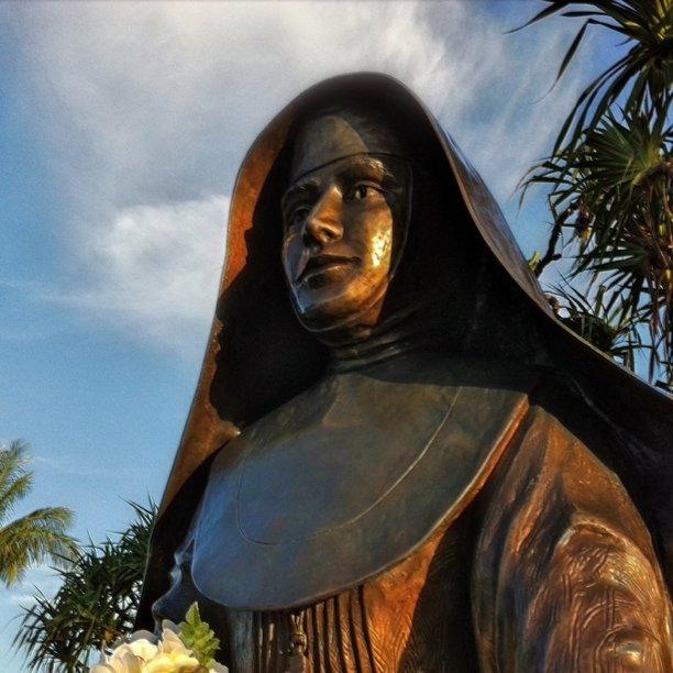 131942-sainte-marianne-cope-une-franciscaine-a-hawai