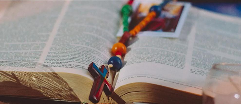 L'abrégé du catéchisme de l'église catholique
