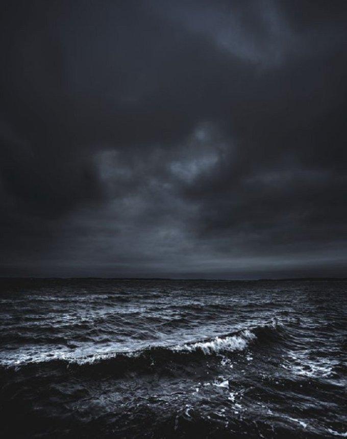 Mon âme est dans une mer de souffrances, les pécheurs m'ont tout pris