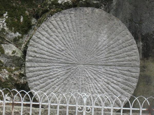 114716-chemin-de-croix-medite