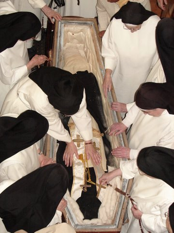 151197-adoration-perpetuelle-du-bhx-pere-lataste
