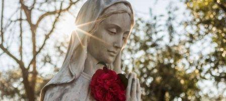 Neuvaine à Marie : entrons dans la Joie du Royaume !