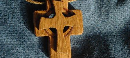 Prions pour que Marie aide notre pape