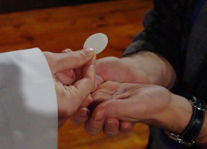 Los Misterios Luminosos: La Institución de la Eucaristía