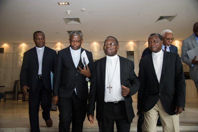 """Avec les évêques congolais,  prions pour  que la RDC ne sombre pas dans """" une situation incontrôlable."""""""