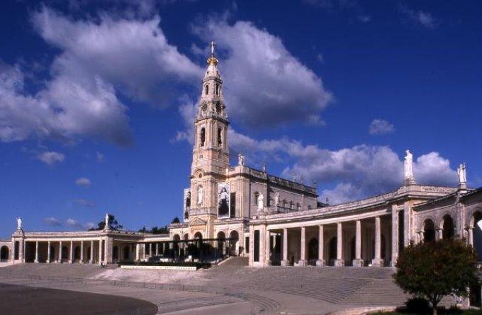 Programme pour l'année du centenaire des apparitions de Fatima