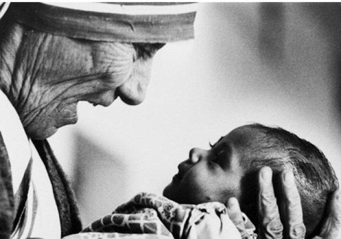 Sixième jour : le regard tourné vers le Christ, « le Verbe de vie ».