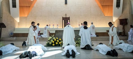 Pour les futures vocations sacerdotales et consacrées