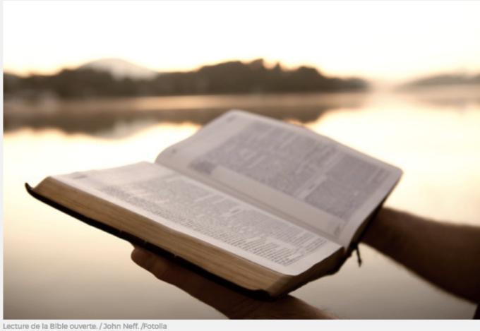 Prions pour que les jeunes placent la parole de Dieu au coeur de leur vie