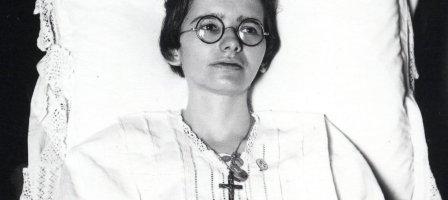 Un mois avec Marthe Robin, et le Précieux sang