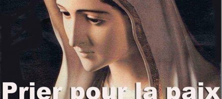 Prions le chapelet tous les jours pour la paix