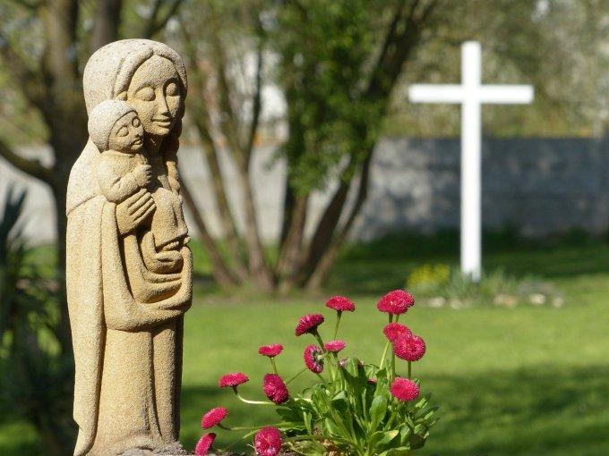 Souvenez-vous, ô très miséricordieuse Vierge Marie,