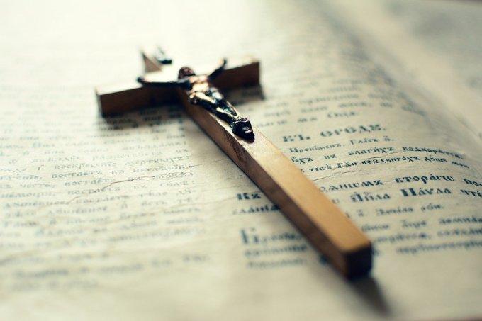 Trois degrés dans la tentation, trois traductions du Notre Père (3)