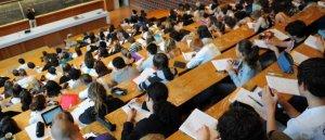 Prions pour les jeunes en difficulté dans leurs études