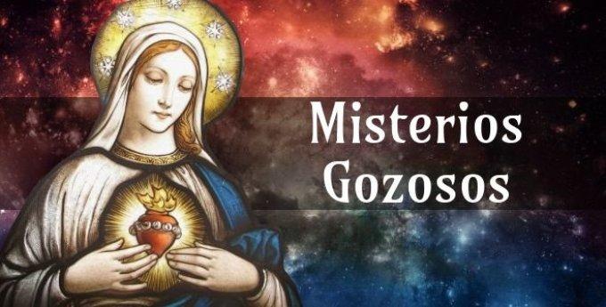 Hoy contemplamos los Misterios Gozosos