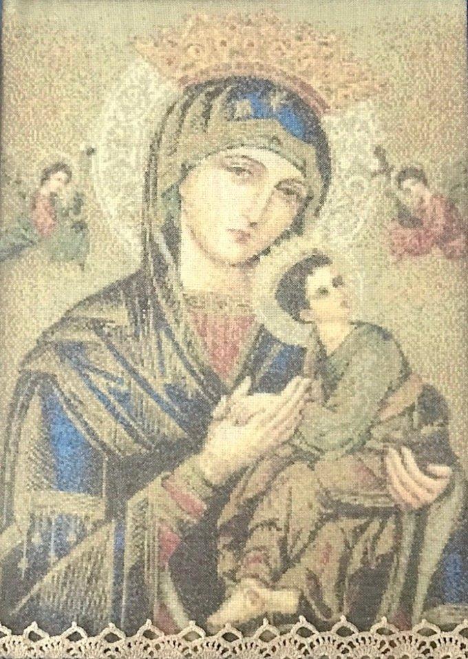 Día 9: N. Sra. del Perpetuo Socorro premia a fieles acogiéndolos en sus brazos