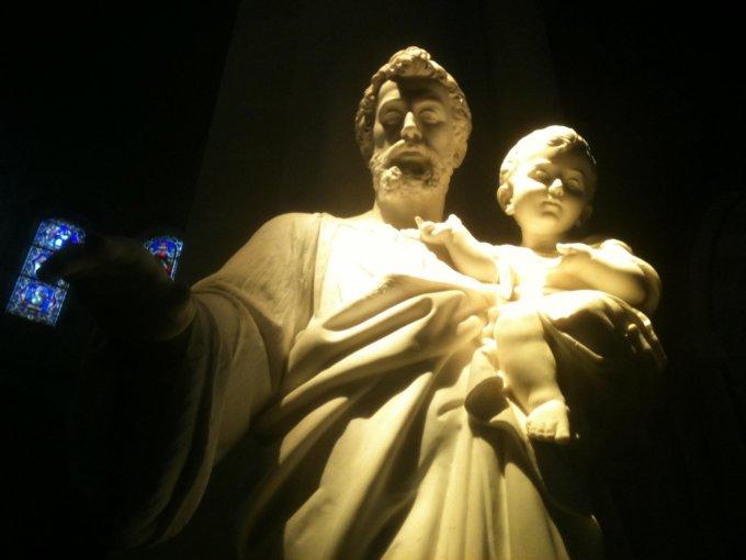 Saint Joseph, notre cher protecteur à l'heure de notre mort, priez pour nous