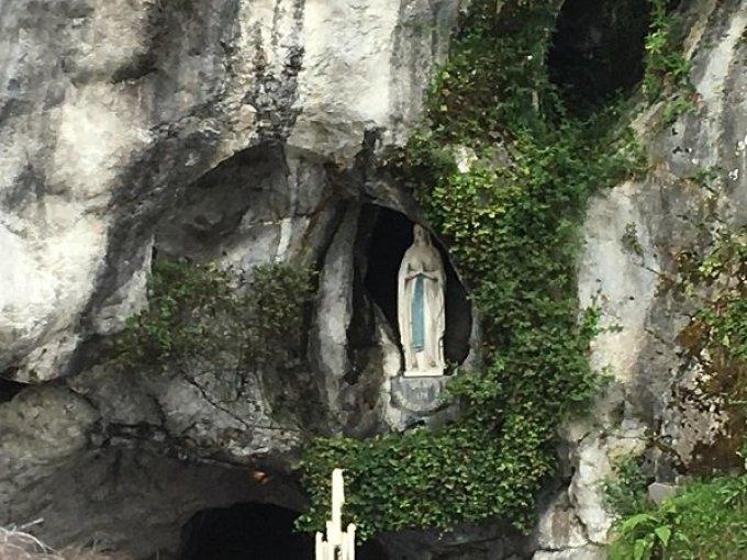Ô Vierge immaculée, Vous êtes notre Mère.