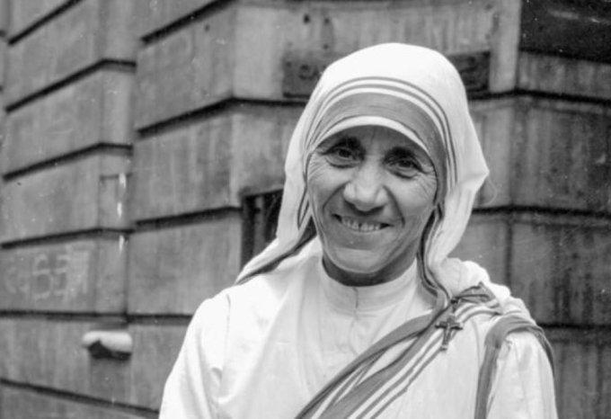 5 de setiembre : Santa Madre Teresa (†1997)