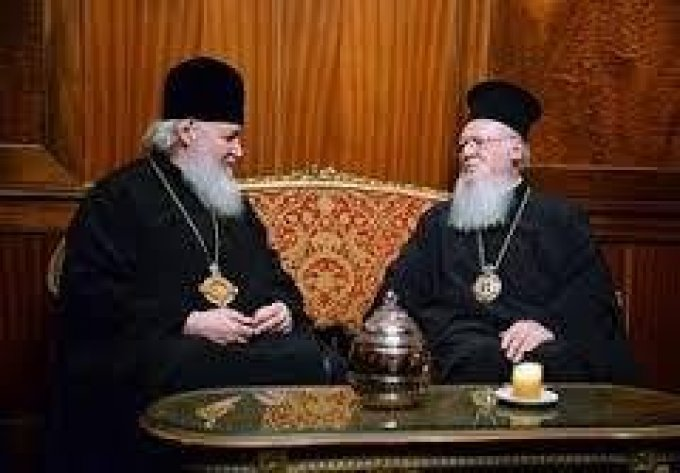 Prions pour  les patriarches orthodoxes de Constantinople et de Moscou
