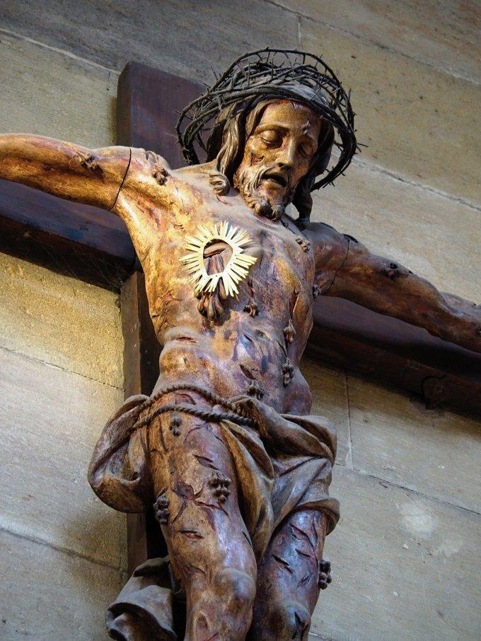 Corps du Christ Crucifié- Corps du Christ Ressuscité