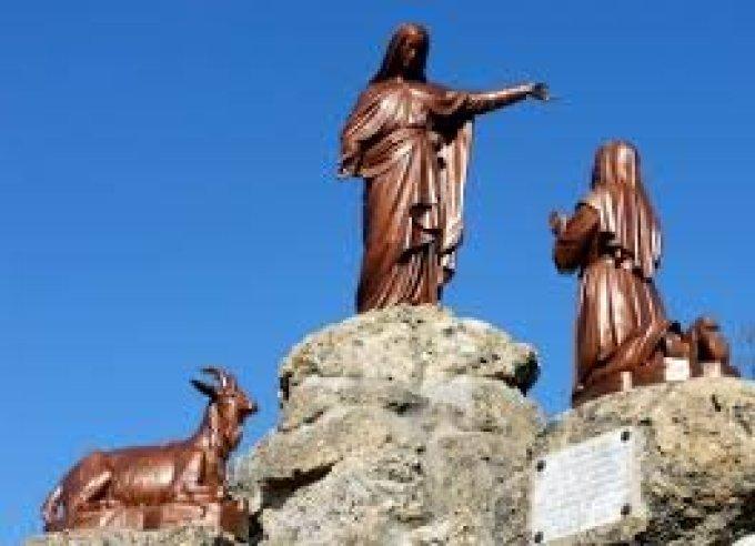 Notre Dame du Laus, priez pour les enfants victimes de sévices sexuels.
