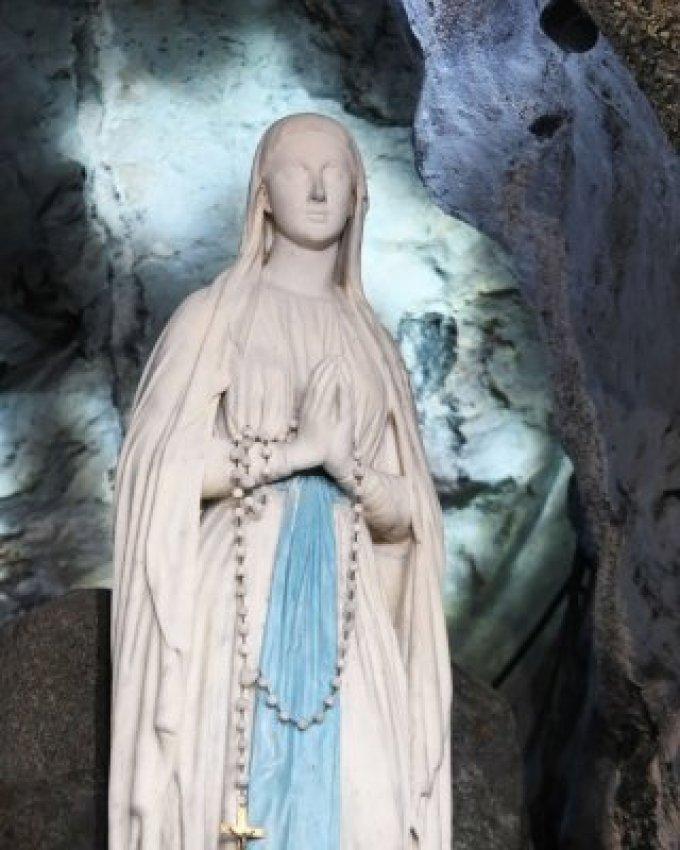 Nottre-Dame de Lourdes, priez pour nous !