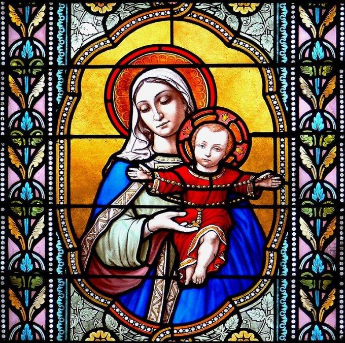 Rosaire immaculé contre serpent corrompu