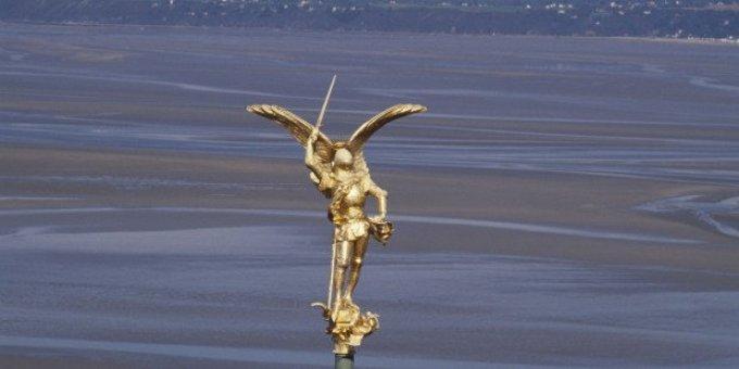 Demandons la protection de Saint Michel pour la France