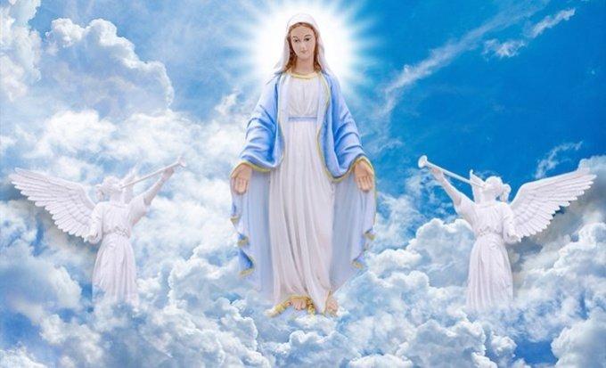 Marie, notre Maman du ciel, prie pour nous, pauvres et pécheurs.