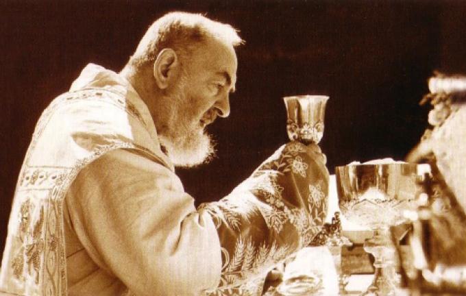 La messe de Padre Pio,  par Maria Winowska   1 / 2