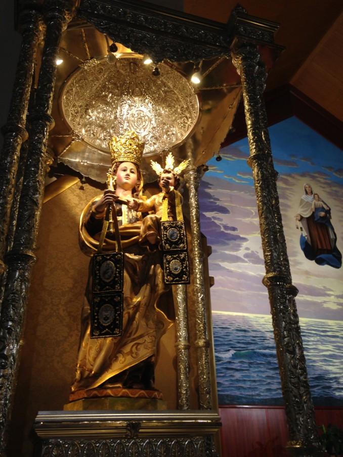 74083-reine-du-saint-rosaire-priez-pour-nous