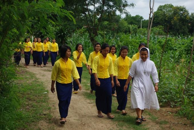 80867-pour-les-chretiens-persecutes-en-birmanie