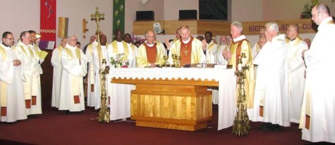 80905-pour-les-pretres-du-diocese-de-mont-laurier
