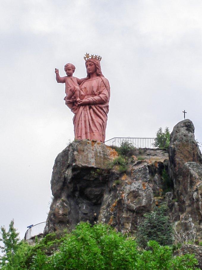 31 mai : Notre Dame de France