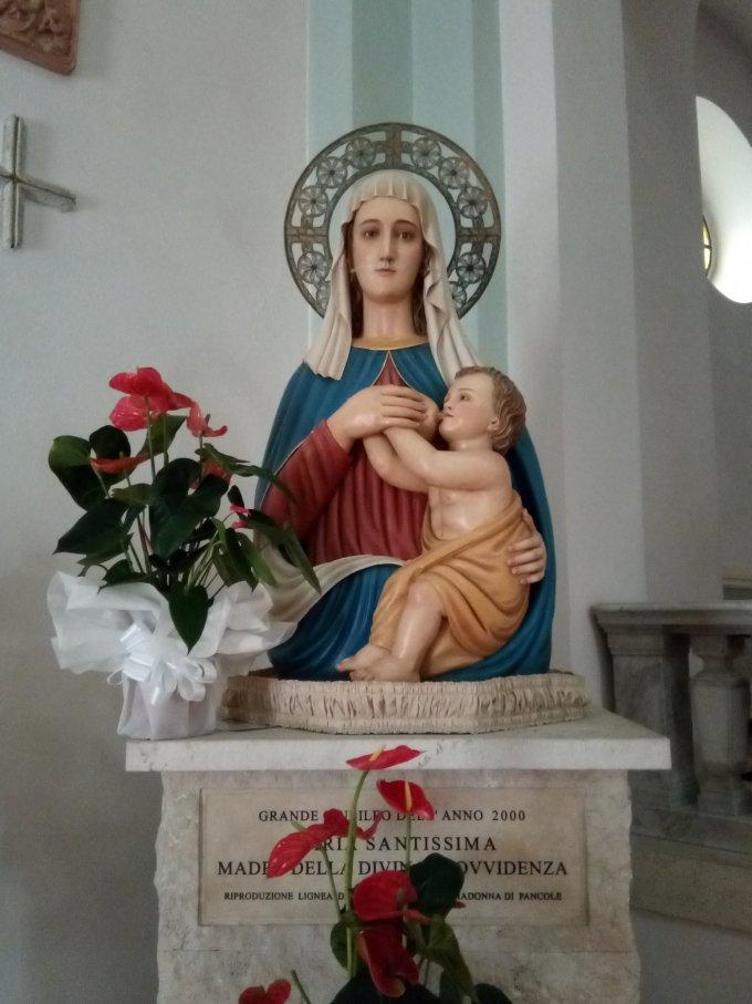 Pancole...! Madonne de la Divine Providence !