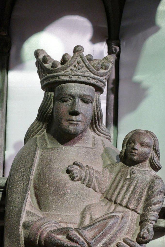 Avec Notre Dame du Folgoet, prions pour la France